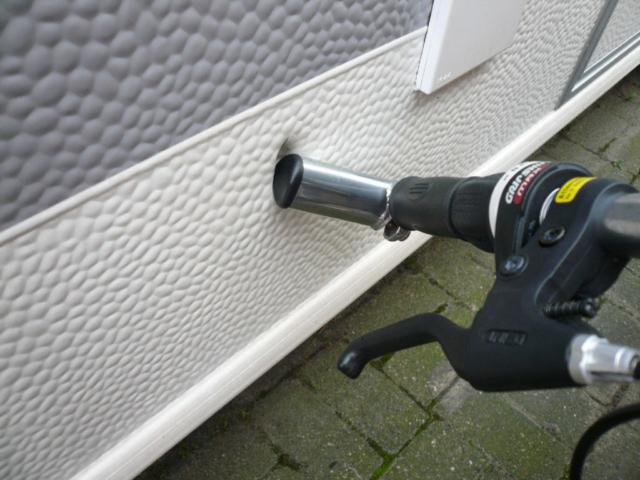Haftpflichtschaden, Großraum Bremen  Schadenhöhe ca. EUR 2.000,-, Nachstellung eines angeblich durch ein Kinderfahrrad entstandenen Schadens am Wohnwagen